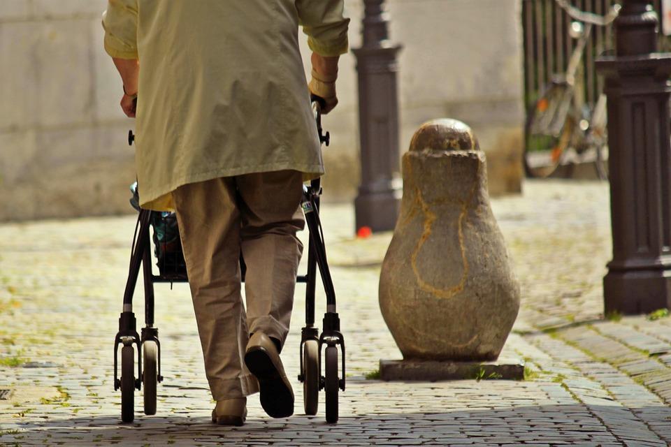 Gesundheitskosten bei älteren Menschen in Deutschland
