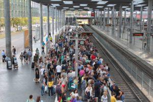 Deutschland verabschiedet ein Einwanderungsgesetz, um Fachkräfte aus Nicht-EU-Ländern zu locken